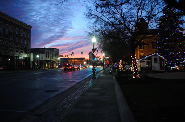 Noblesville at night.
