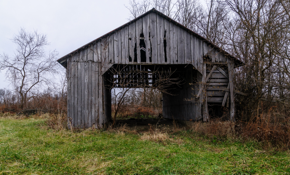 Pull through barn.