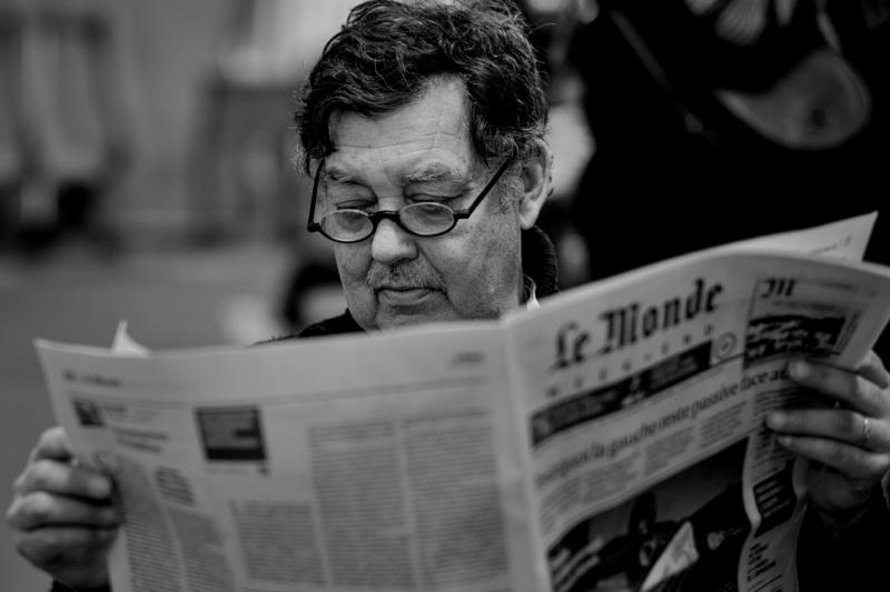 an antics seller reading