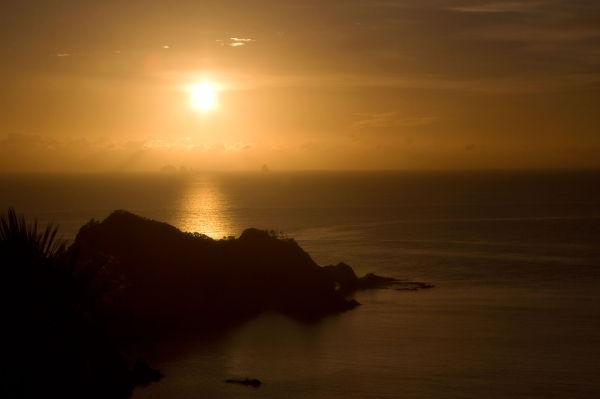 Tutukaka coast sunrise by BlindPoet