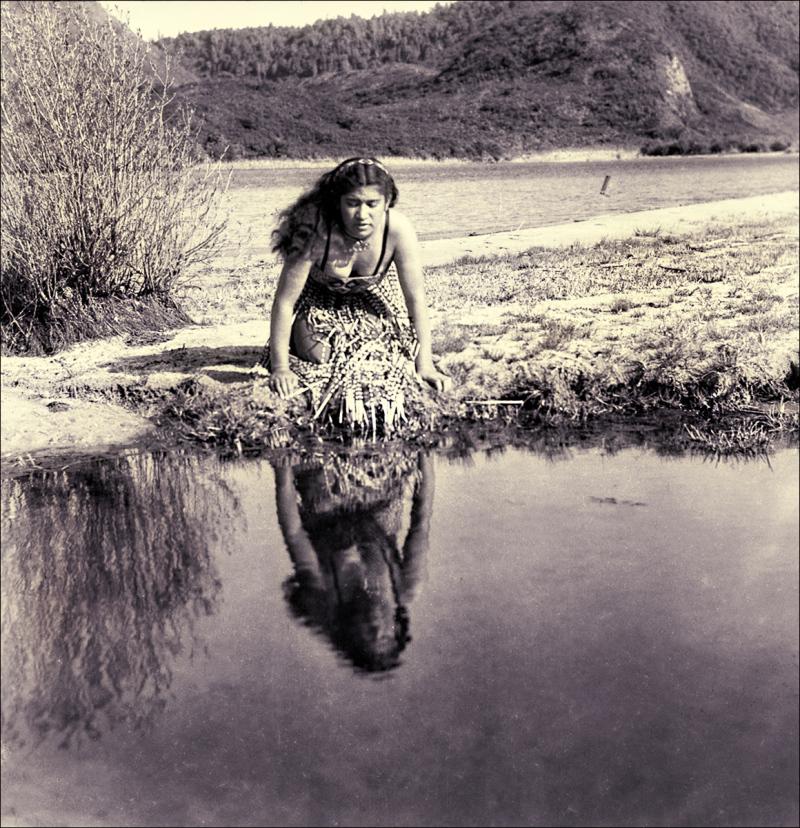 1960 Maori Maiden