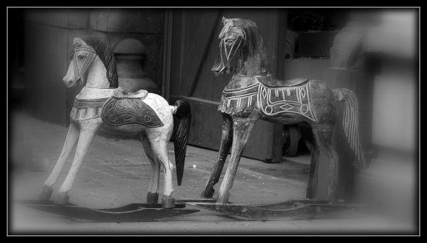 Les chevaux à bascule...