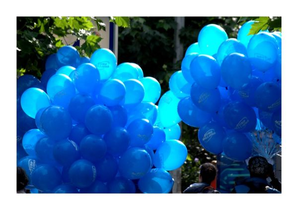 Les ballons bleus...