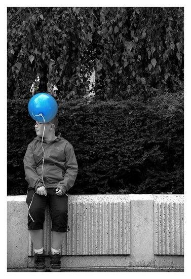 Le ballon bleu....