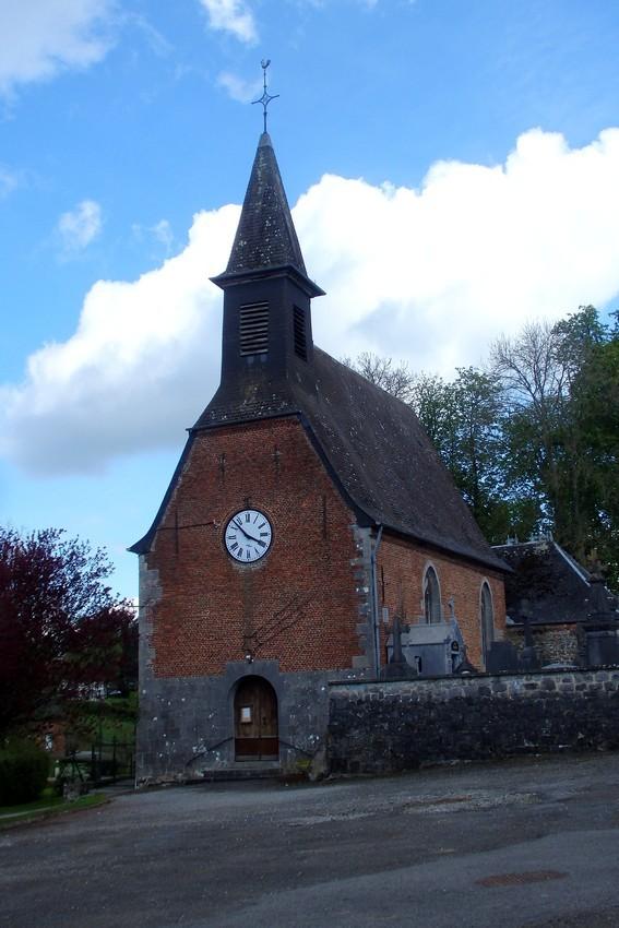 L'église au milieu du village...
