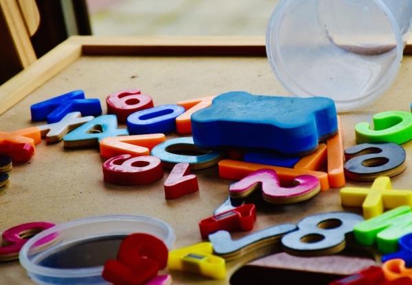Des chiffres et des lettres...