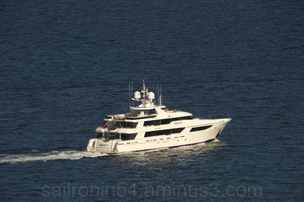 50 meter Westport departs Palm Beach