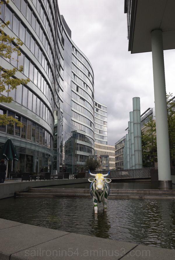 Bull in reflecting pool Frankfurt financial