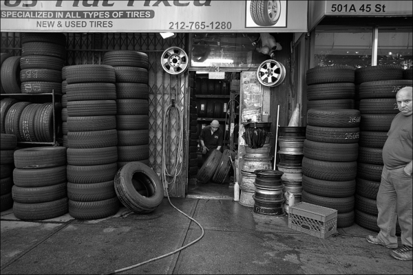 Specialized in all types of tires