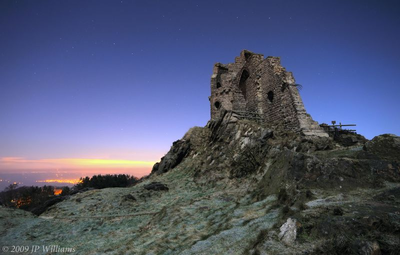mow cop castle under new year moonlight nikon d90