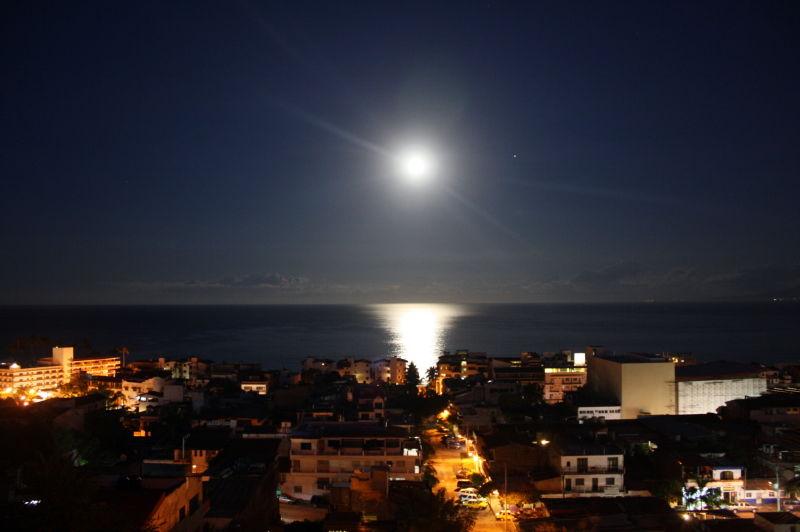Full Moon 1-29-10