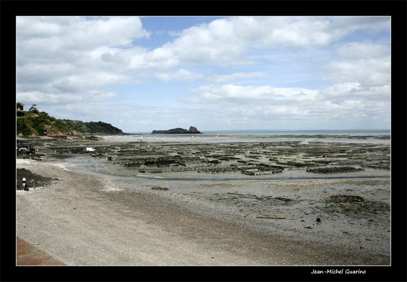 Cancale Bretagne le port parc a huitres