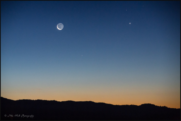 Crescent moon with Mercury and Venus