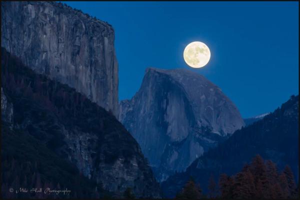 Supermoon rise and Half Dome in Yosemite
