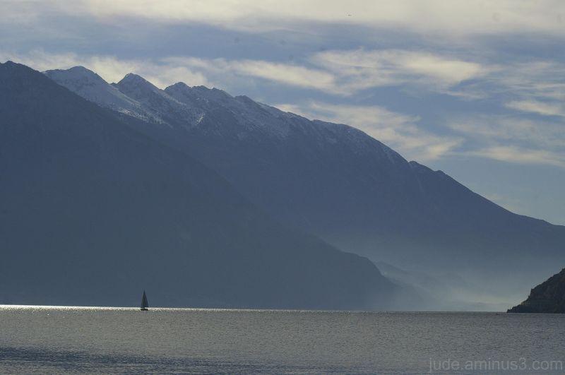 Sailing on Lago di Garda