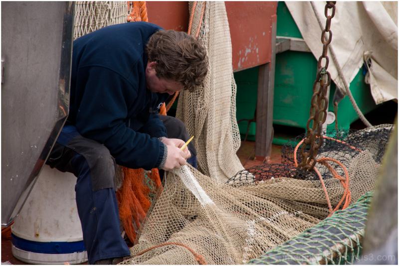 fishing net repair