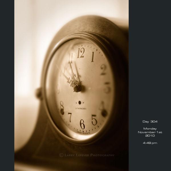 Closeup of mantle clock