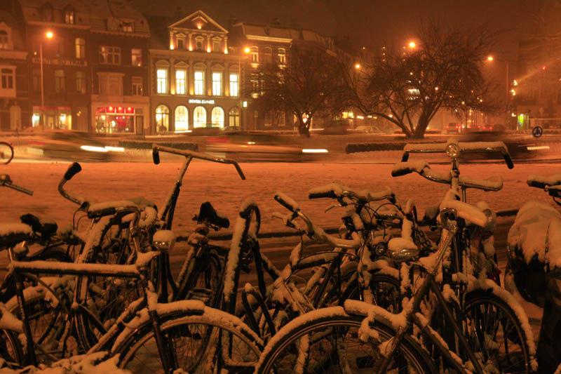Colour Nederland Maastricht street snow