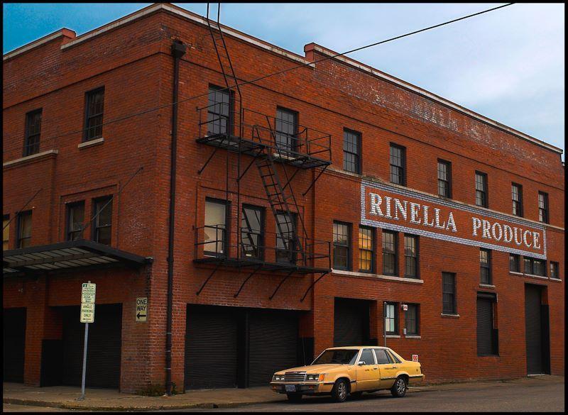 Rinella produce store