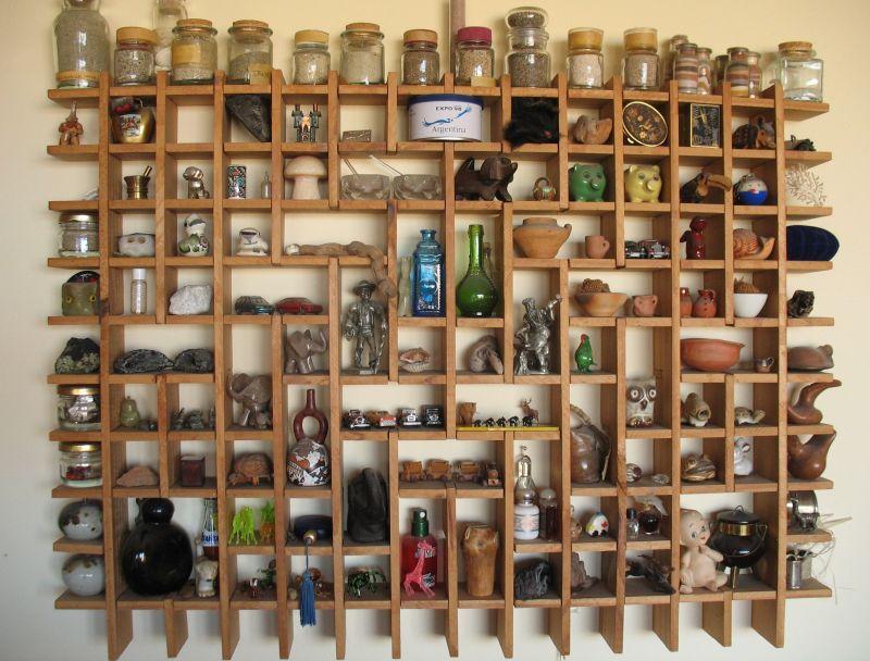 It´s a miniature store furniture.
