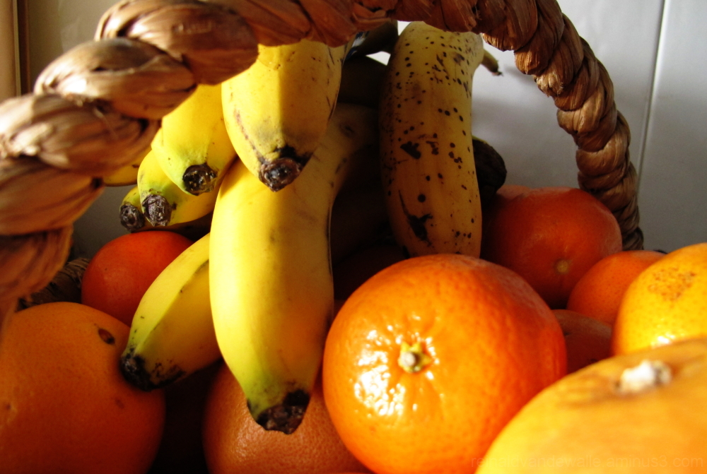 A basket with fruits.