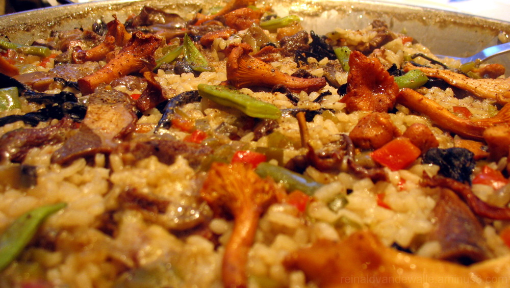 Paella with mushrooms
