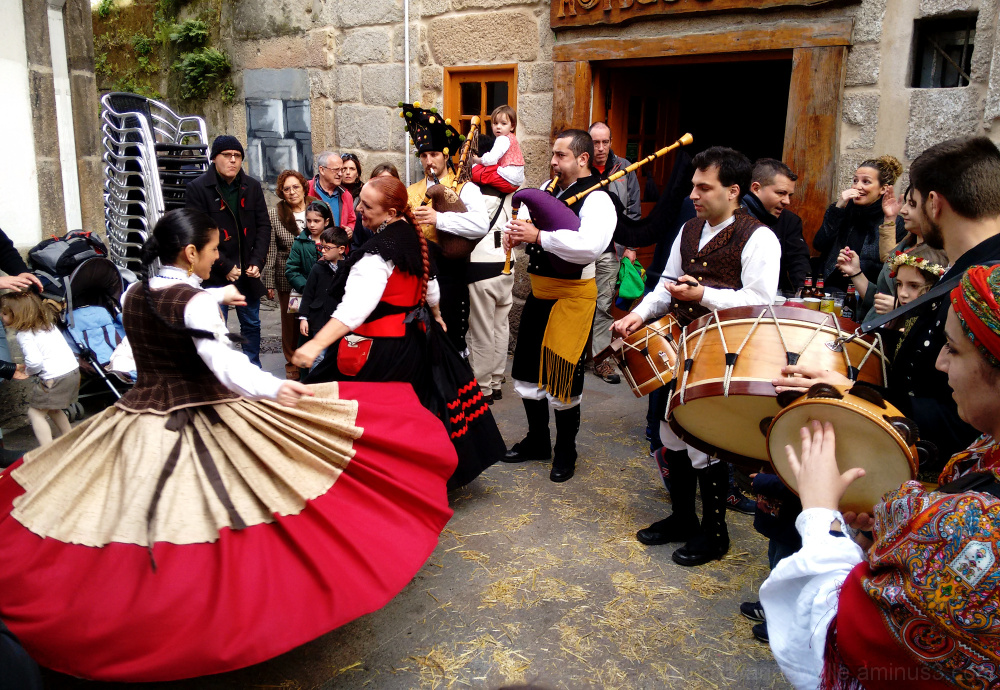 Folk music and dances in Vigo