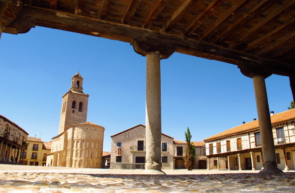 Arevalo village square