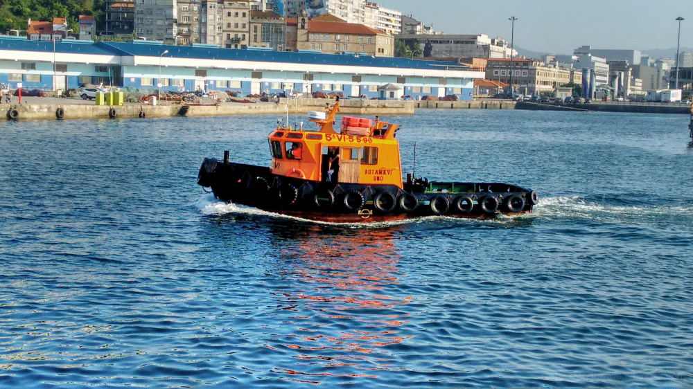 Tugboat at Vigo´s harbour