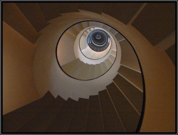 Coup d'oeil dans l'escalier