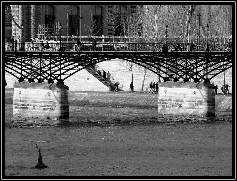 Sous l'pont des Arts