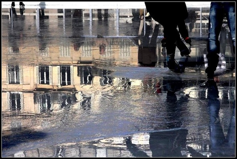 gens patinoire glace eau reflets