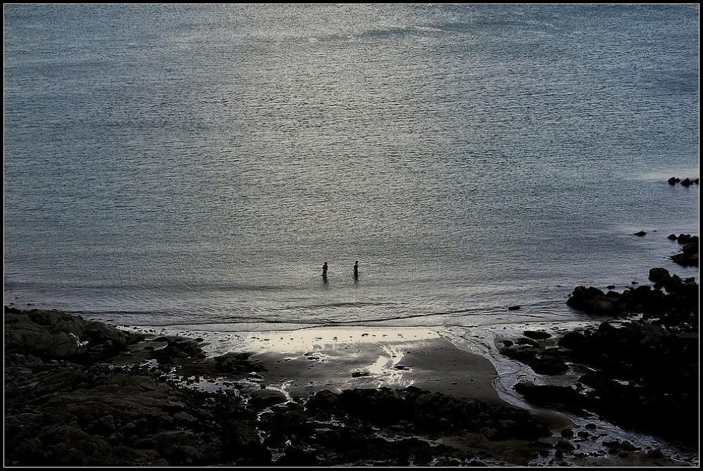 """La mer, la mer toujours recommencée..."""