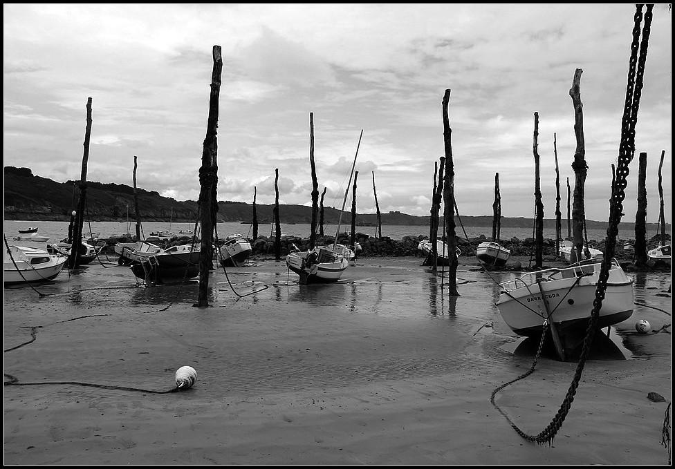 port marée basse barques bretagne