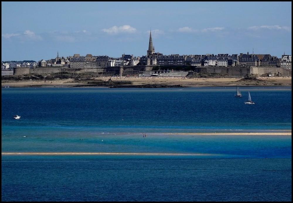 Les pieds dans l'eau à St-Malo