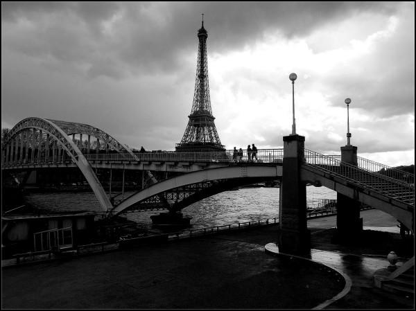 La Tour fait le pont