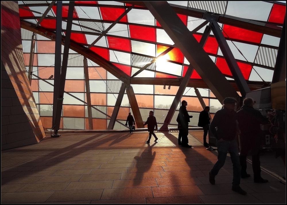 paris expositions gens reflets éclairage