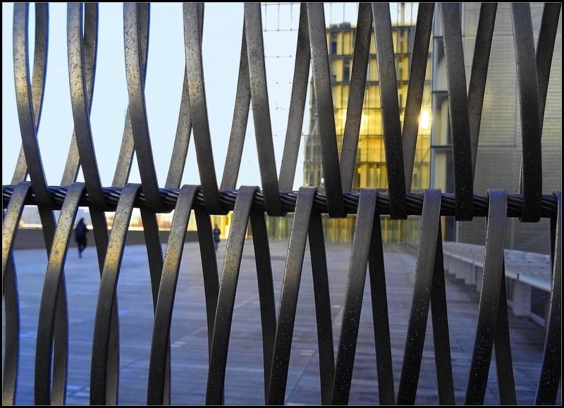 Par - delà  le  rideau de fer