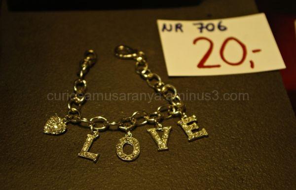 Parece que el amor si tiene precio.....