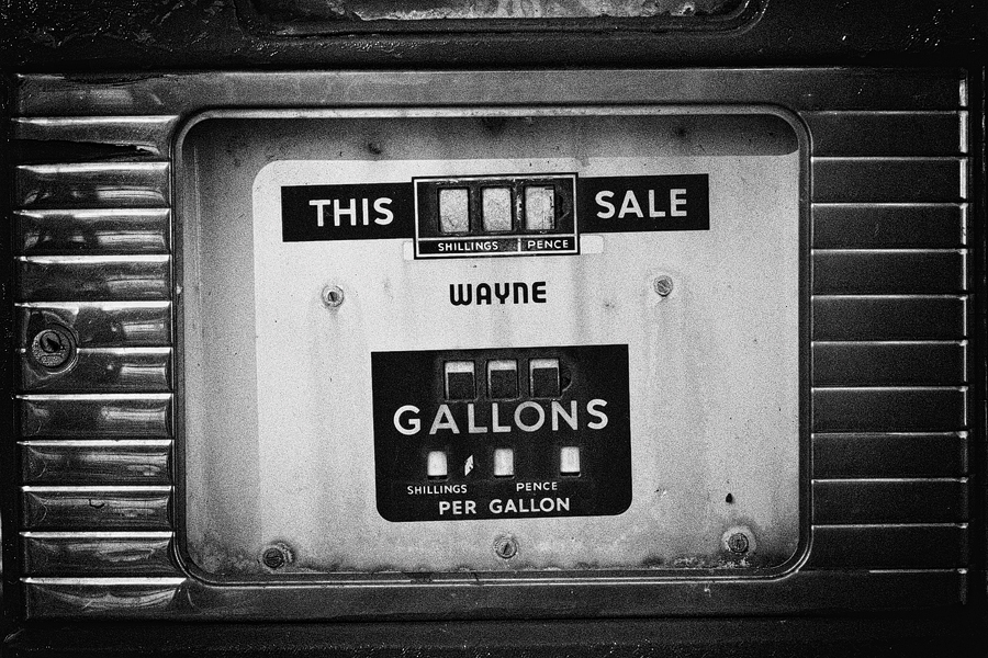 old pump with gallons & schillings