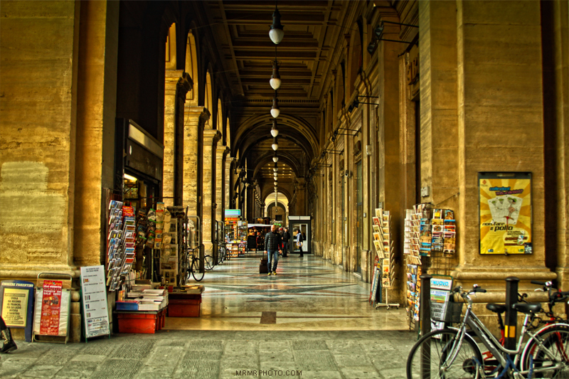 Florence colonnade