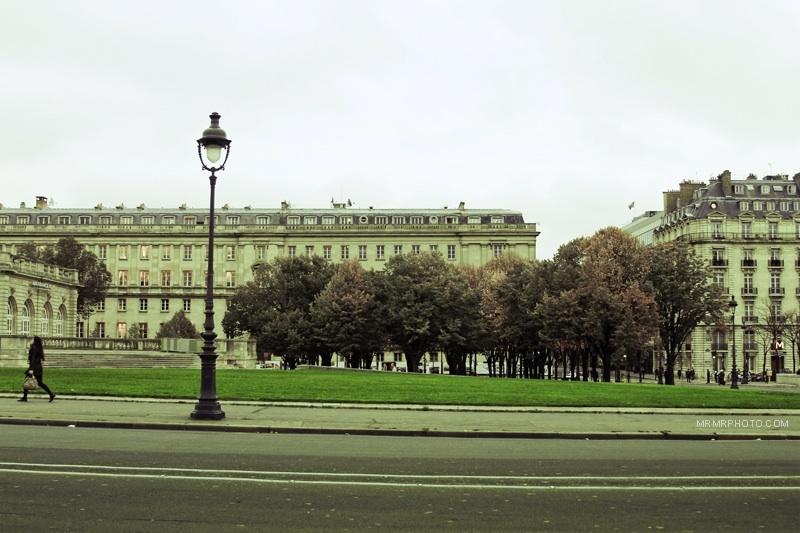 Street shot in Paris