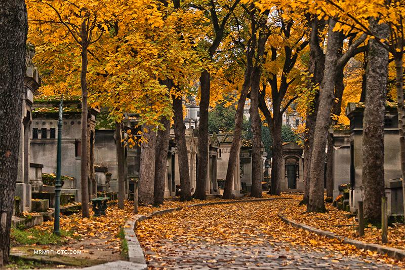 Père Lachaise cemetery in Fall