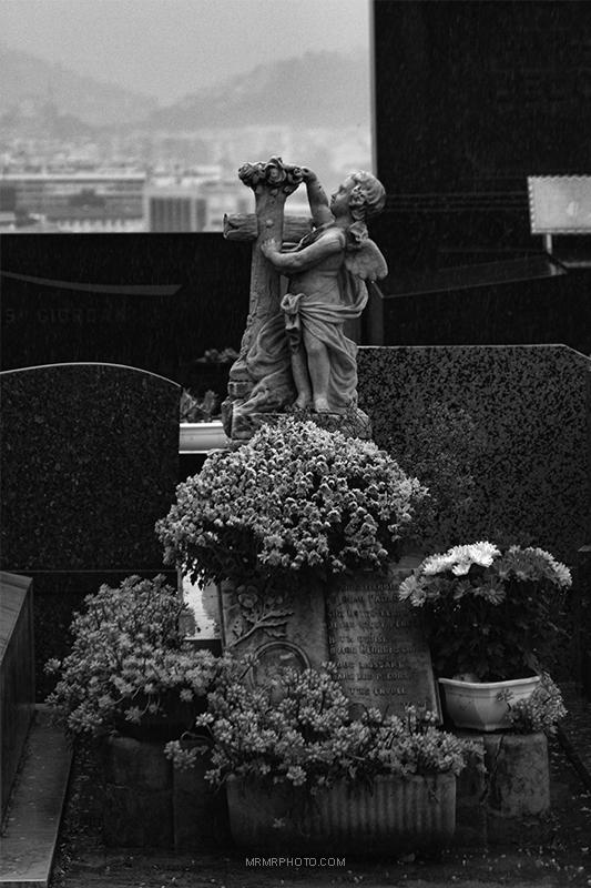 Gravestones in Nice