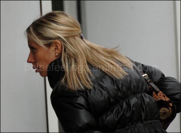girl blond looks model charm