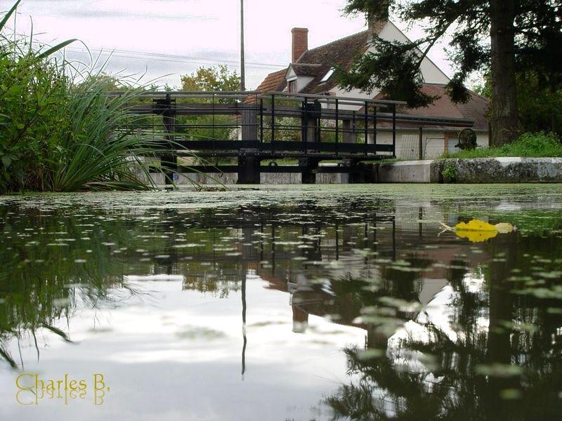 Ecluse de Chancy, canal d'Orléans, juin 2007