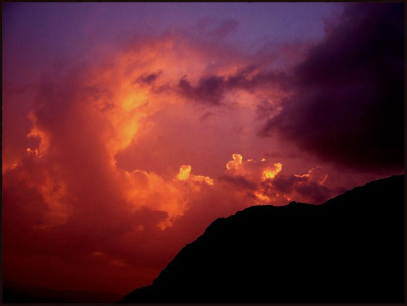 sky & singular cloud
