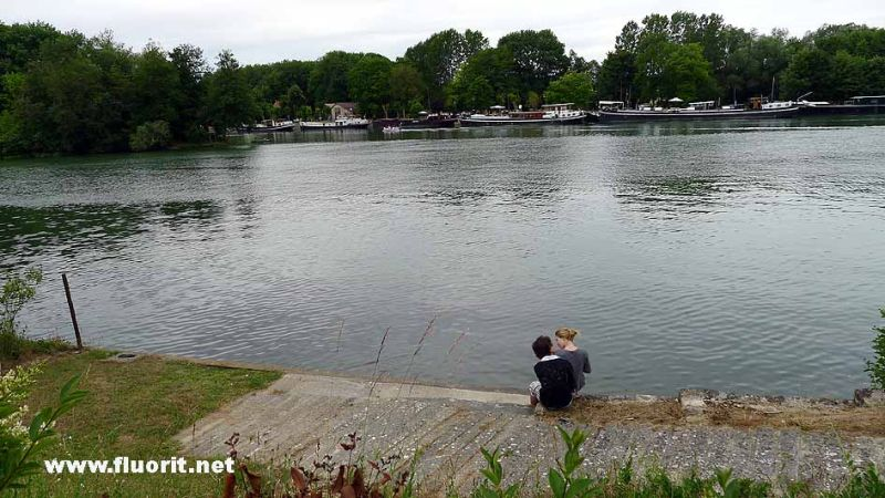 Lovers by the river