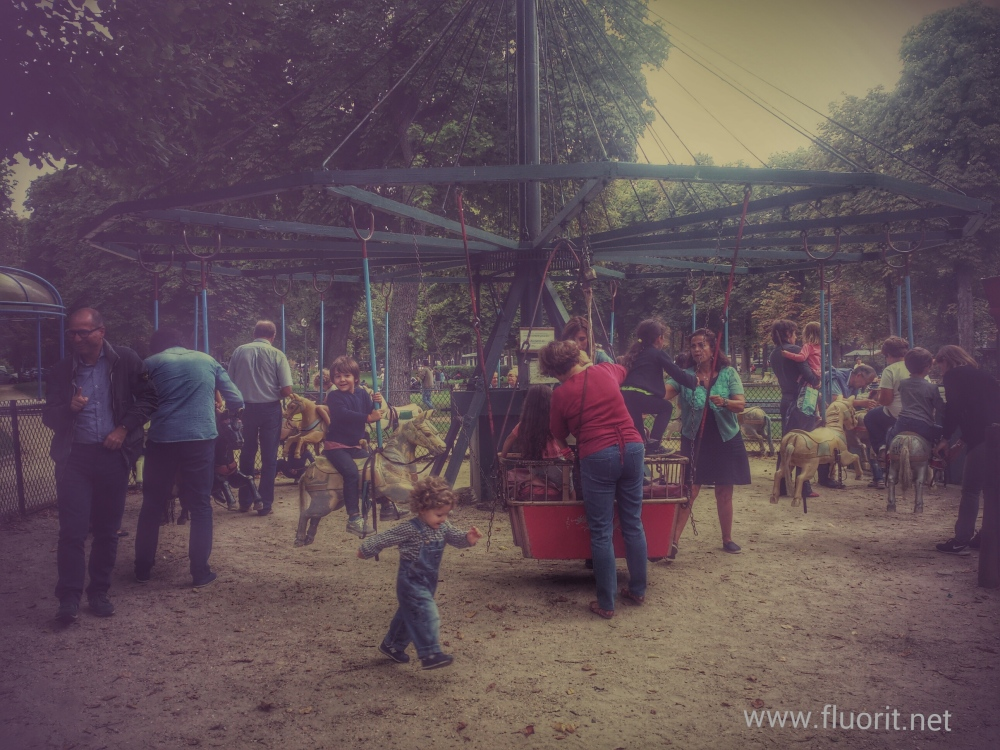old manual merry go round