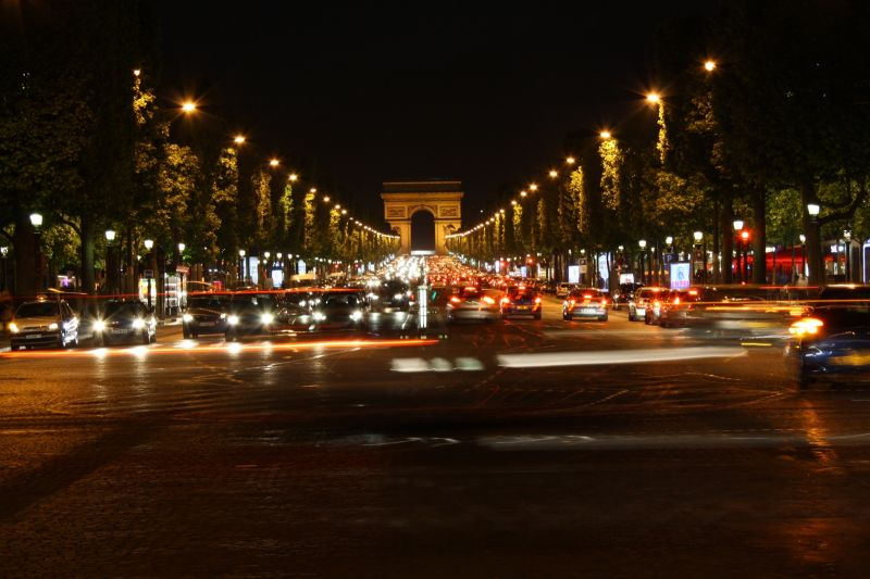 Champs Élysées at Night